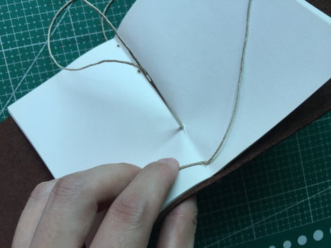 tutorial - make a leather journal 17