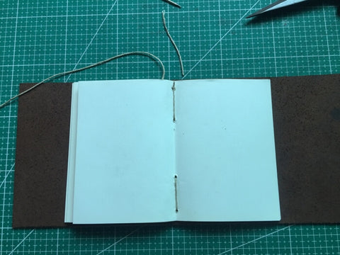 tutorial - make a leather journal 33