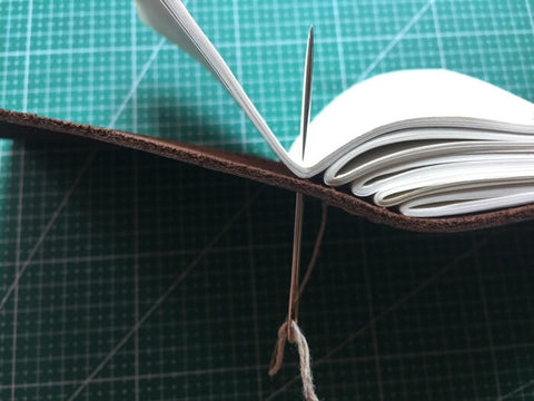 tutorial - make a leather journal 42