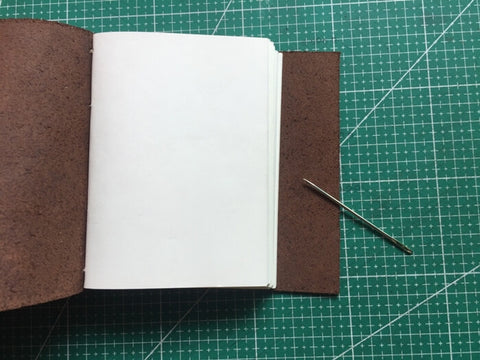 tutorial - make a leather journal 45