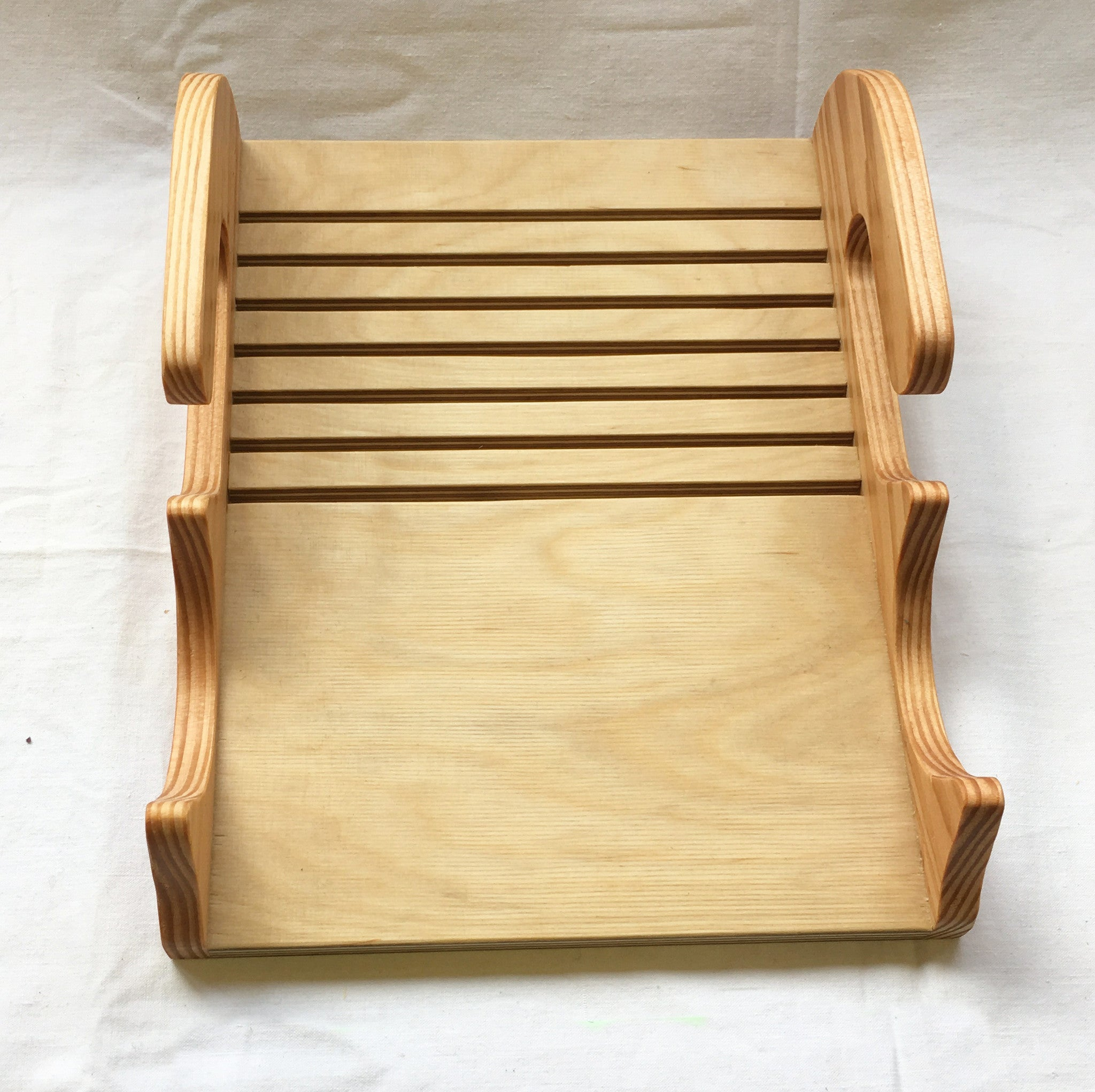 S2B - Rack to hold The  Faces of Easter Plaques