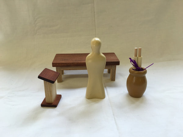 S11 - Synagogue Building & Accessories (Scroll, Urn, Table, Lectern & Jesus)