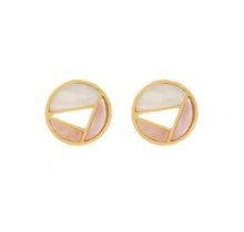 Load image into Gallery viewer, Shell stud Earrings