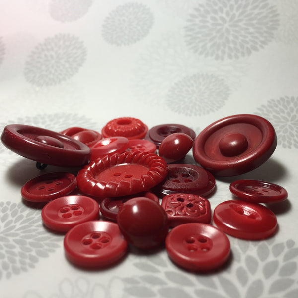 Vintage Buttons Mixed Cherry Red