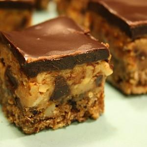 Recipe: Barley & Chocolate Peanut Butter Bars