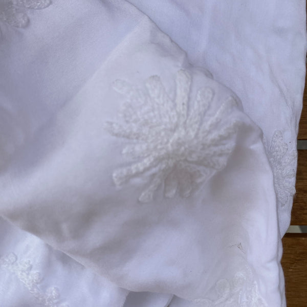 PAREO WHITE WITH WHITE EMBROIDERY