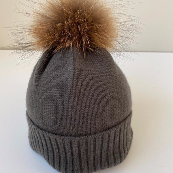 KASHMIR HAT WITH FUR POMPOM OLIVE