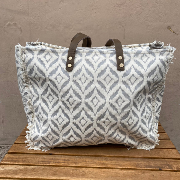 SHOPPER GREY