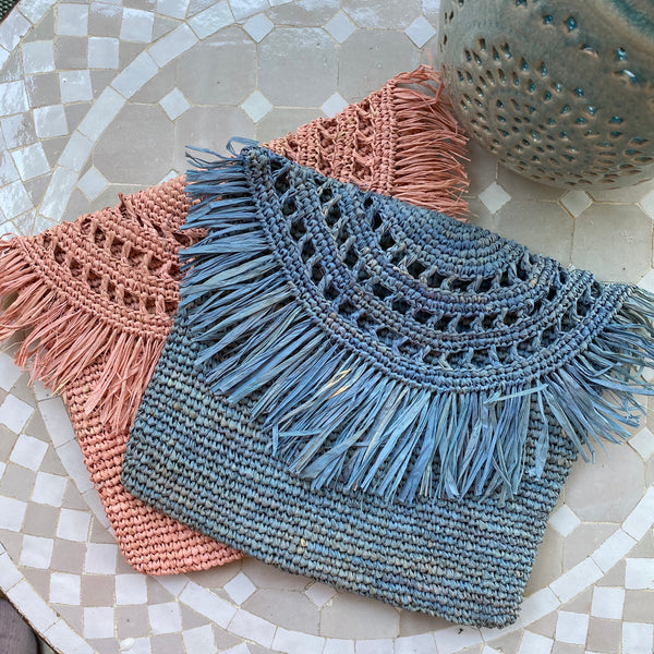 STRAW BAG FRINGES BLUE