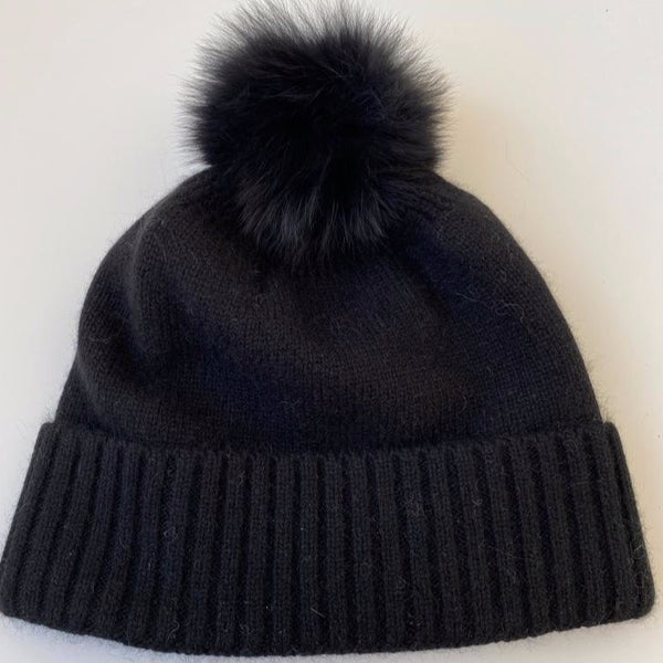KASHMIR HAT WITH FUR POMPOM BLACK