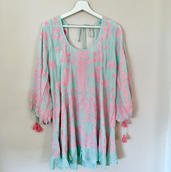 "Tunic ""Emma"" Turquoise With Pink Embroidery"