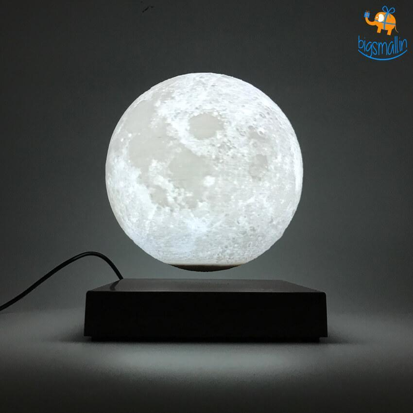 Levitating Moon Lamp - Turn Your Living Room Into Space