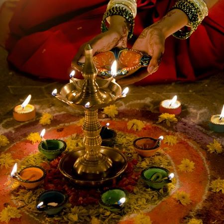 Unusual & Creative Ways To Celebrate Diwali This Year
