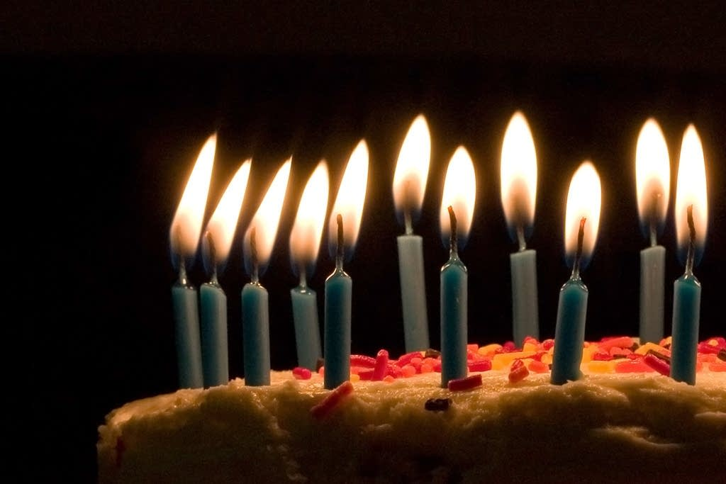 The History Behind Cutting a Birthday Cake – Bigsmall in