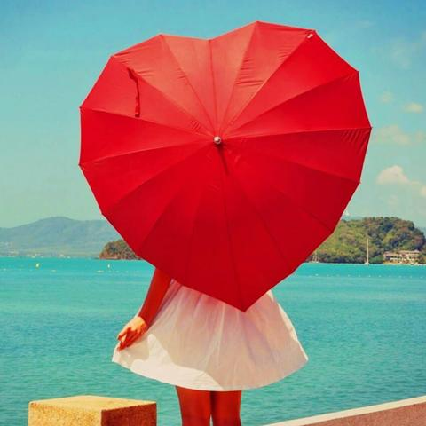 Heart Umbrella Is A Perfect Gift To Give Your Girlfriend It As If You Are Giving Away Her Just Did When Feel In Love