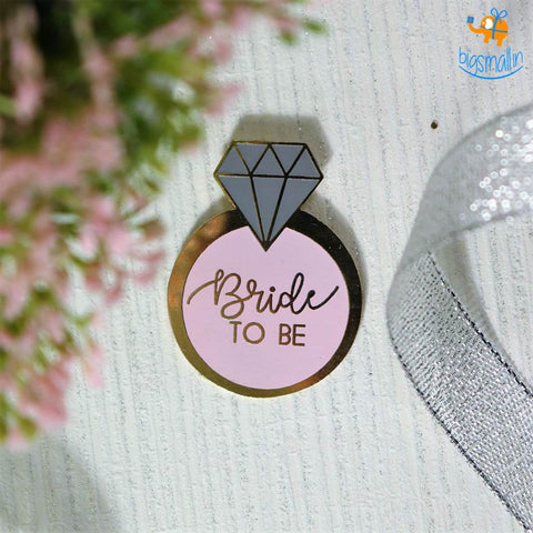 Bride To Be Lapel Pin - bigsmall.in