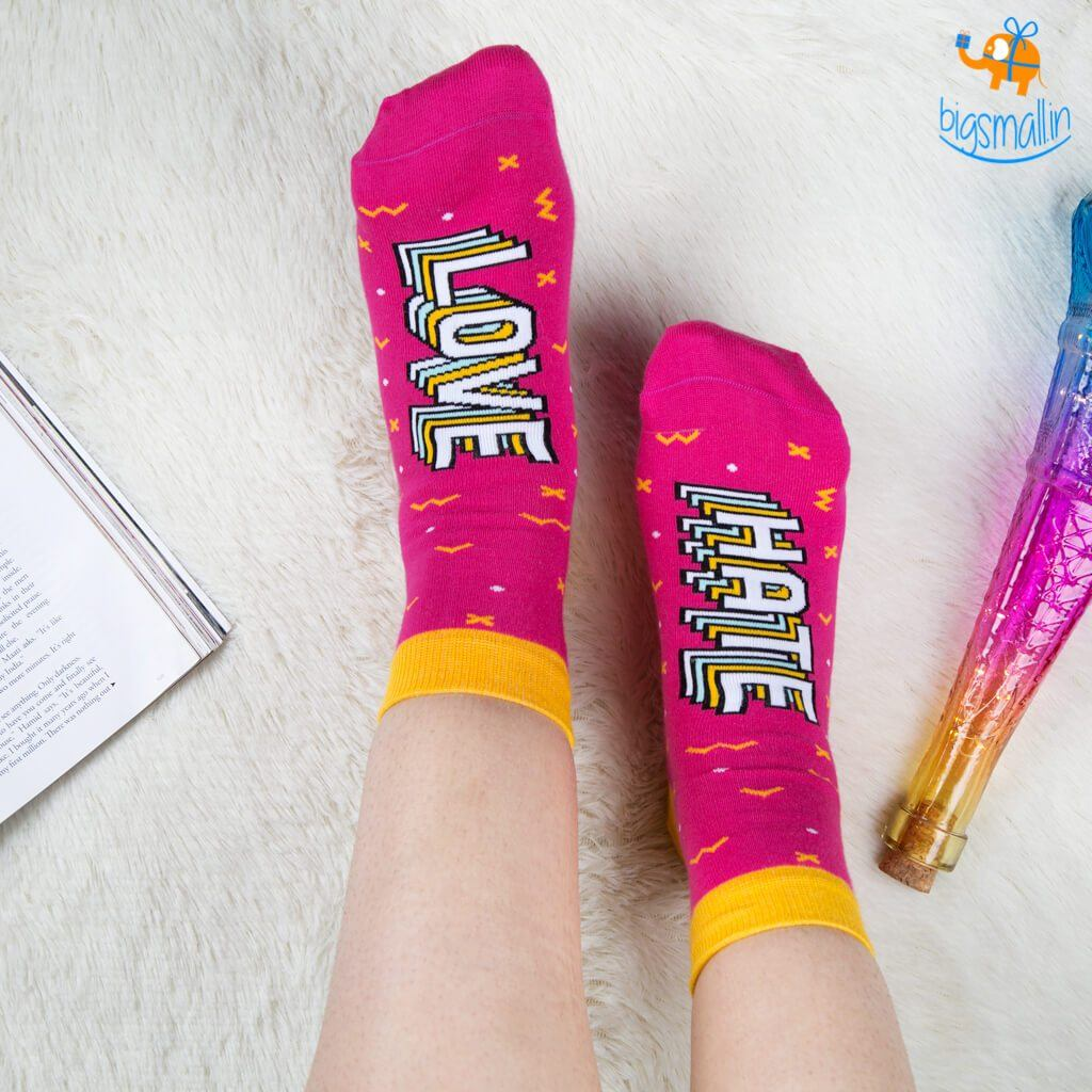 Love Hate Socks - bigsmall.in
