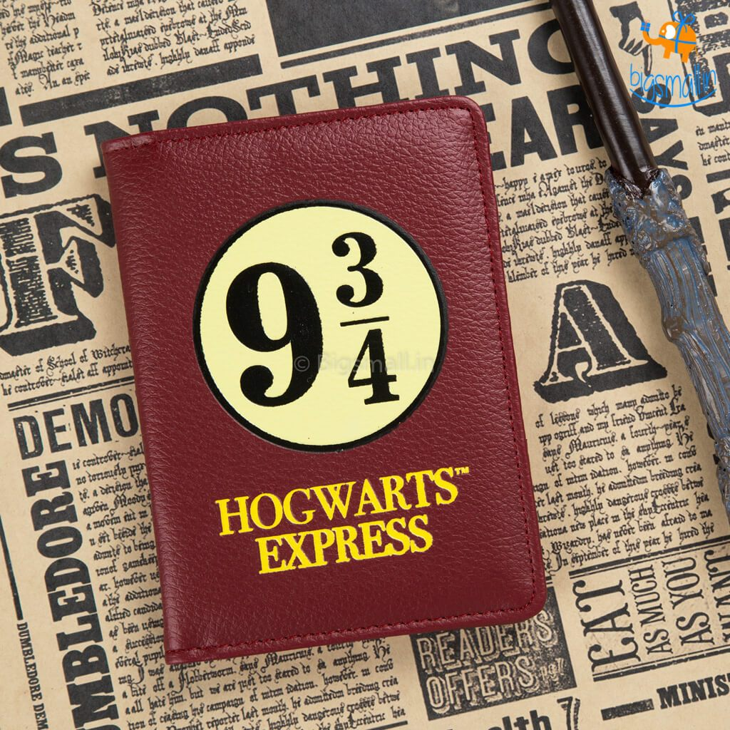 Official Harry Potter 9 ¾ Passport Holder - bigsmall.in