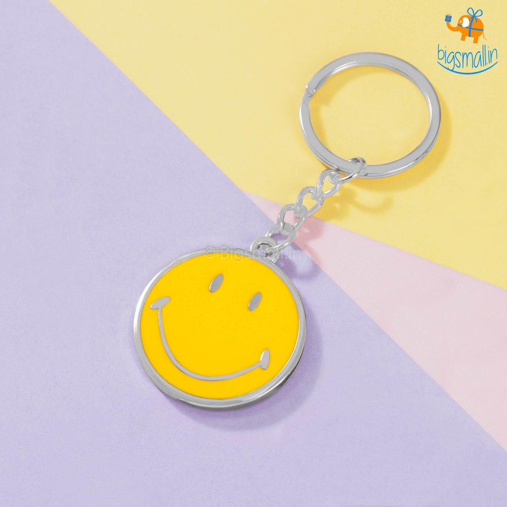 Smiley Metallic Keychain - bigsmall.in
