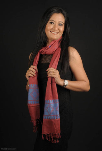 Handmade 100 % Eri Silk stole in red and blue colour