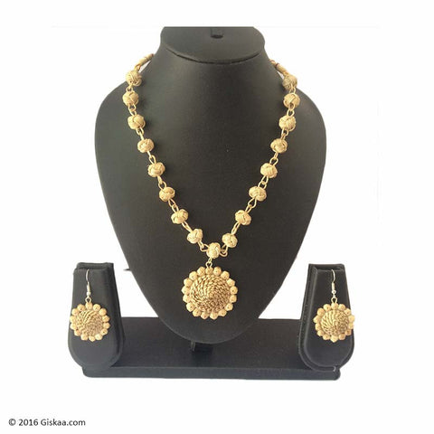 Floral Glory Handmade Necklace With Japi Shaped Pendant And Earrings