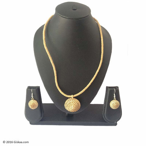 Dazzling Cane Handmade Chain With Japi Pendant And Earrings Set