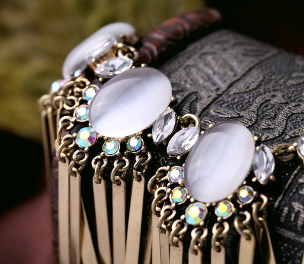 Fan Flare Opal Necklace