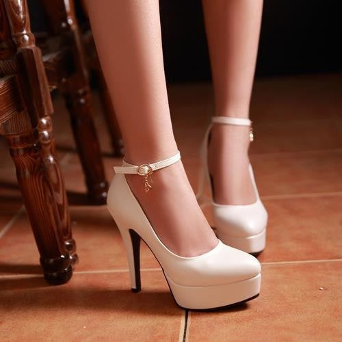 Cole Sleek Pumps