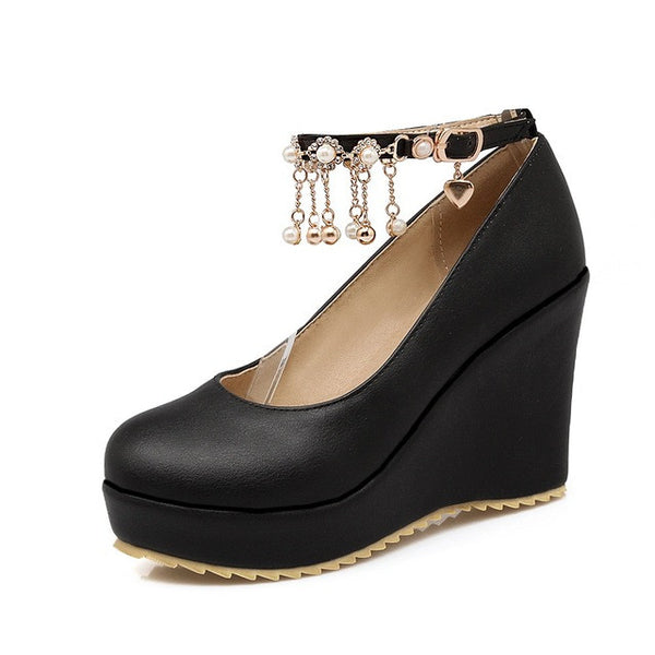 Cole Charm Pumps
