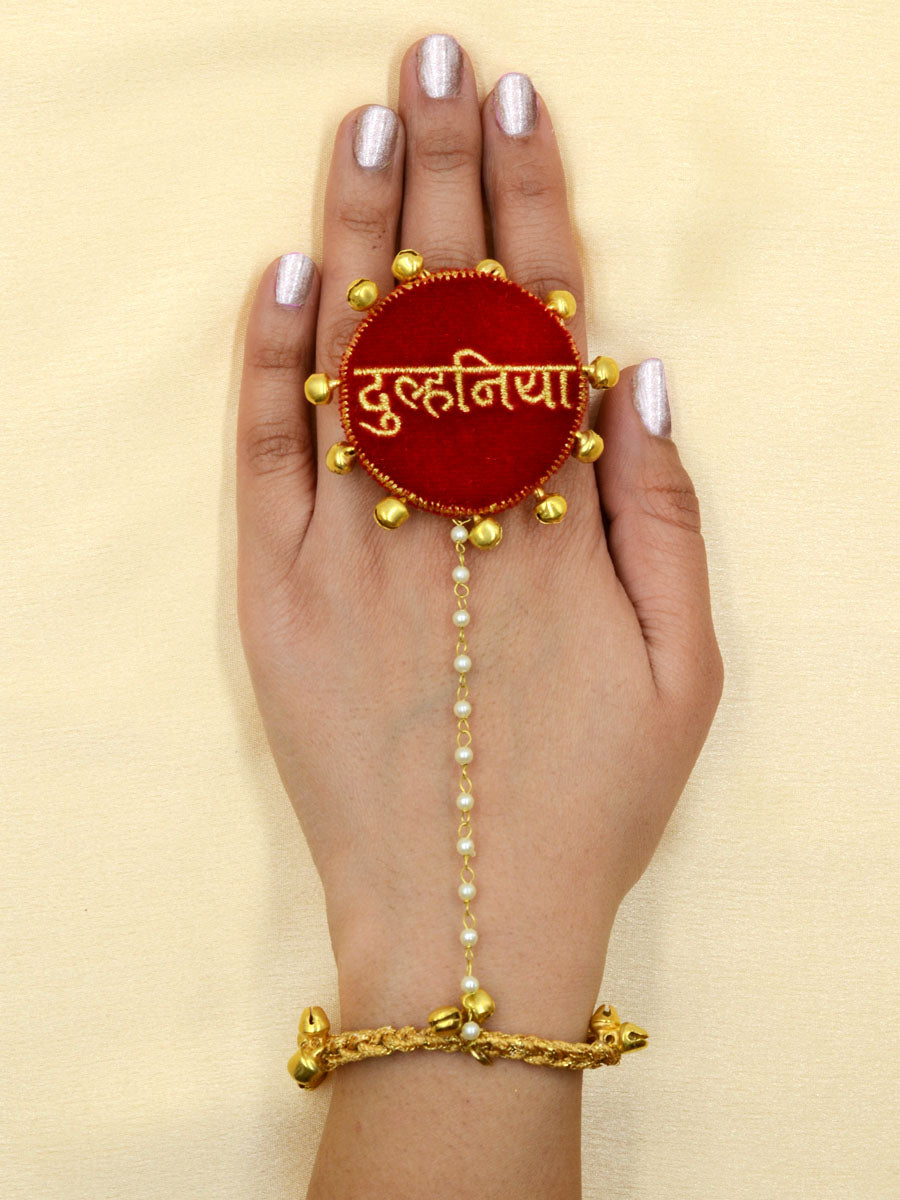 Dulhania Embroidered Ring Hathphool