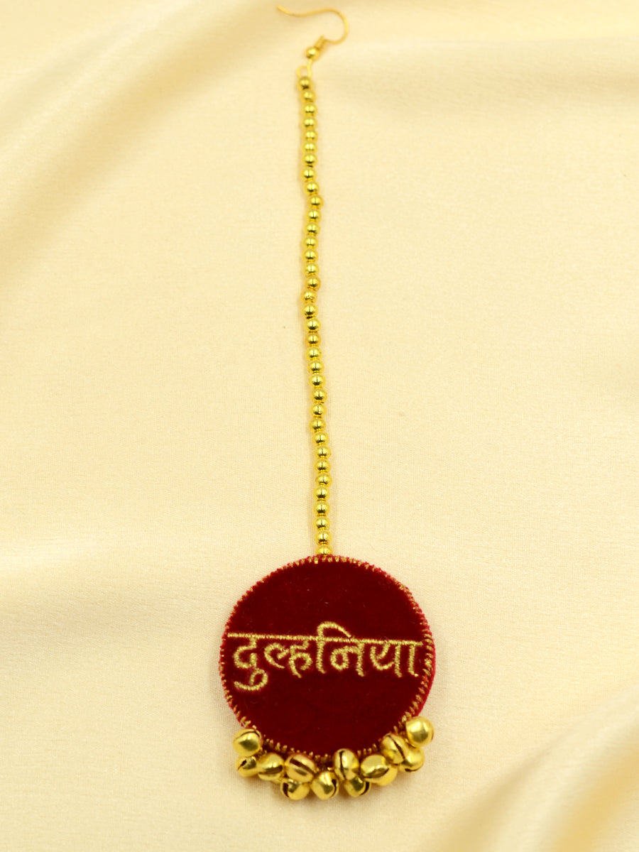 Dulhania Embroidered Maang Teeka