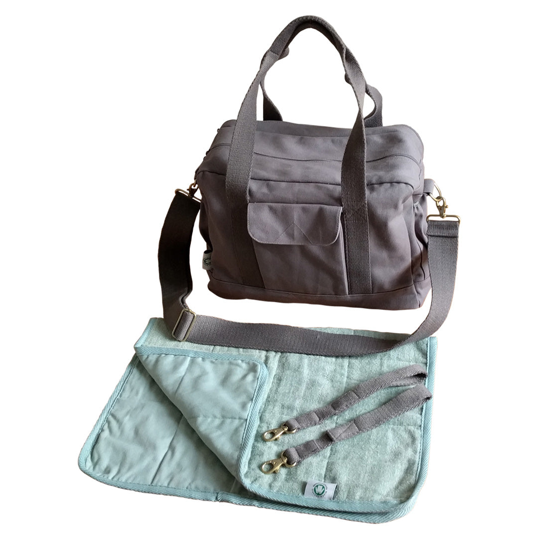 Dera Design GOTS-Certified organic diaper bag grey – with accessories on white