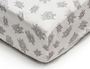 Crib Sheet in GOTS-Certified Organic Cotton – Turtle Grey