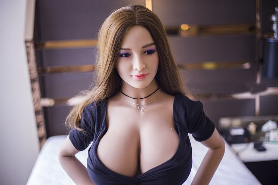 Fulfil Your Wildest Fantasies with Hot Sex Dolls
