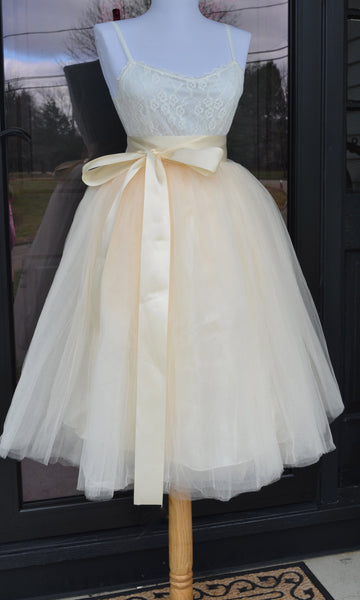 Ivory Cream Tulle skirt - maidenlaneboutique