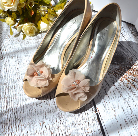 Nude Beige Flower shoe clips - maidenlaneboutique