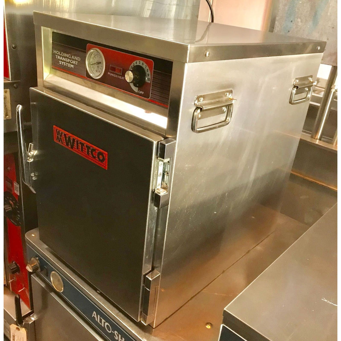 Wittco - Warming Oven-Food Holding and Transport Capacity