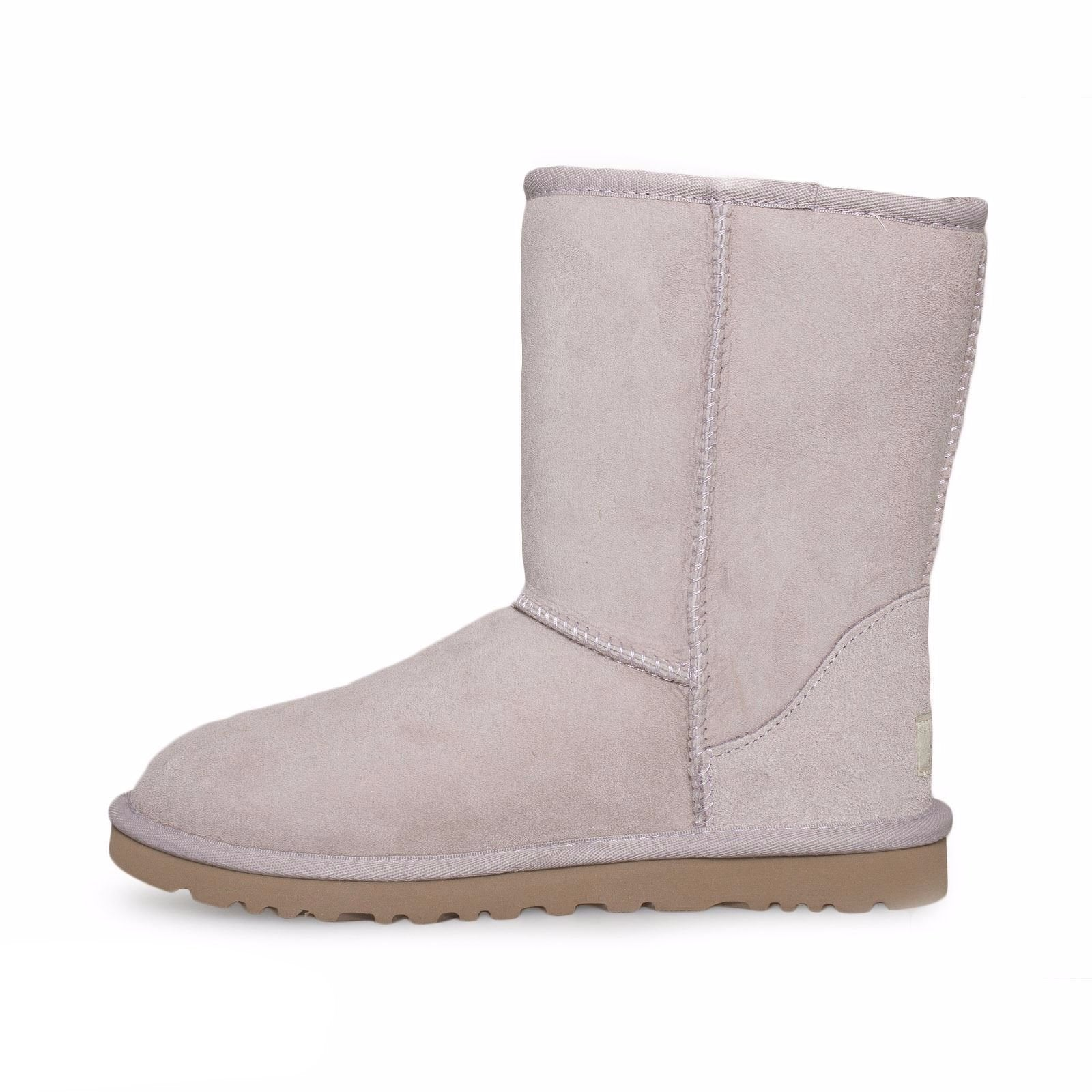 669ac367076 UGG Classic Short Feather Boots