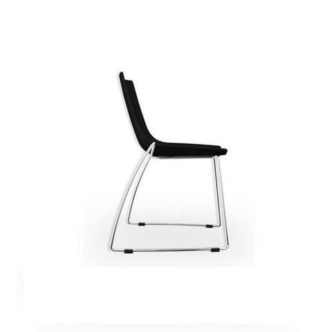 MANTIS BLACK CHAIR