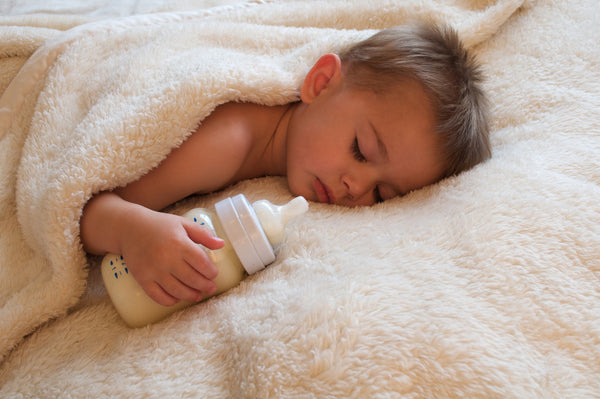 3 Step Method To Weaning Your Baby Off A Bottle