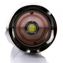 Zoomable 3800 Lumens Cree Led  Flashlight