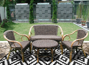 Create your own show garden with an outdoor rug