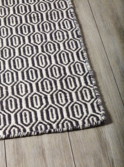 DP 12 Black  Cream and Light Cream Rug - greendecore.co.uk