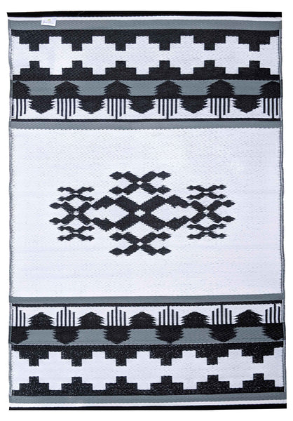 Rover Indoor Outdoor Recycled Plastic Rug (Black/White)