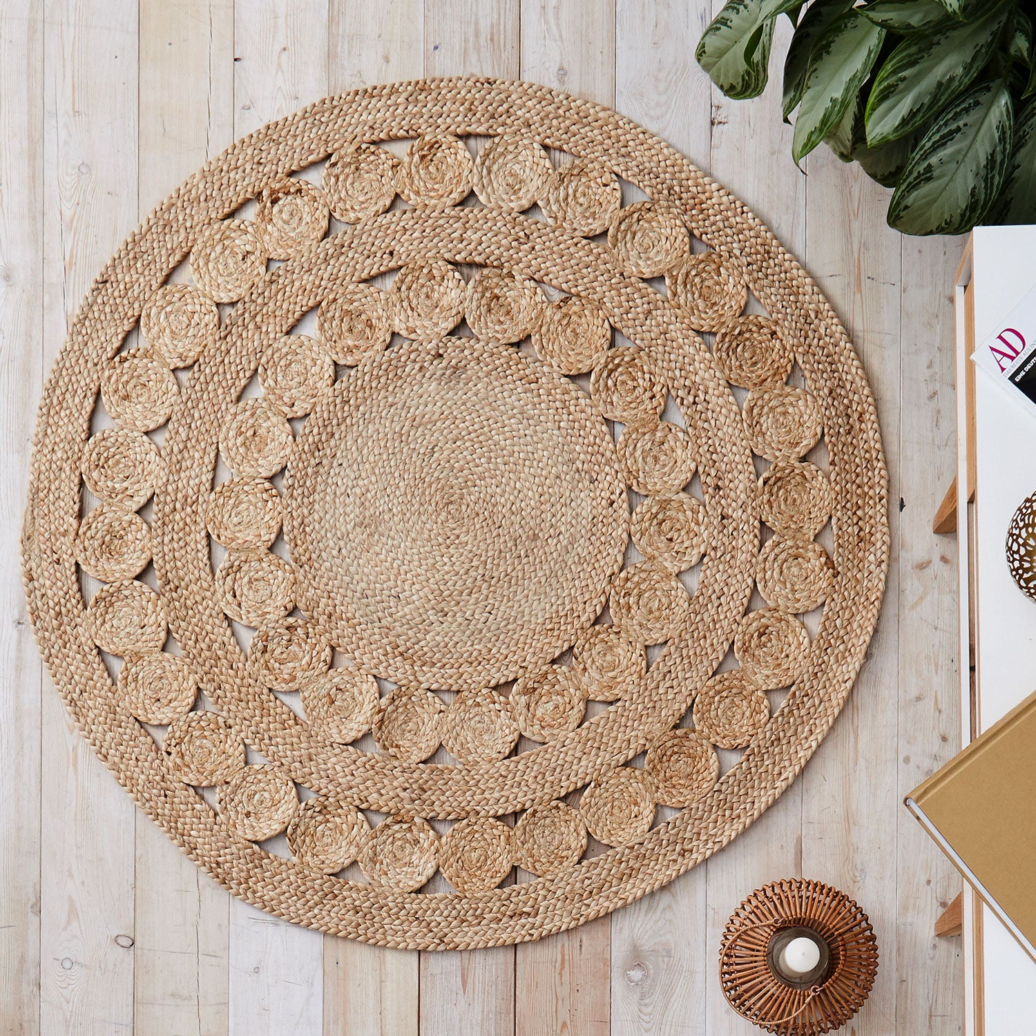 Excel Handwoven Round Jute Rug (Natural)