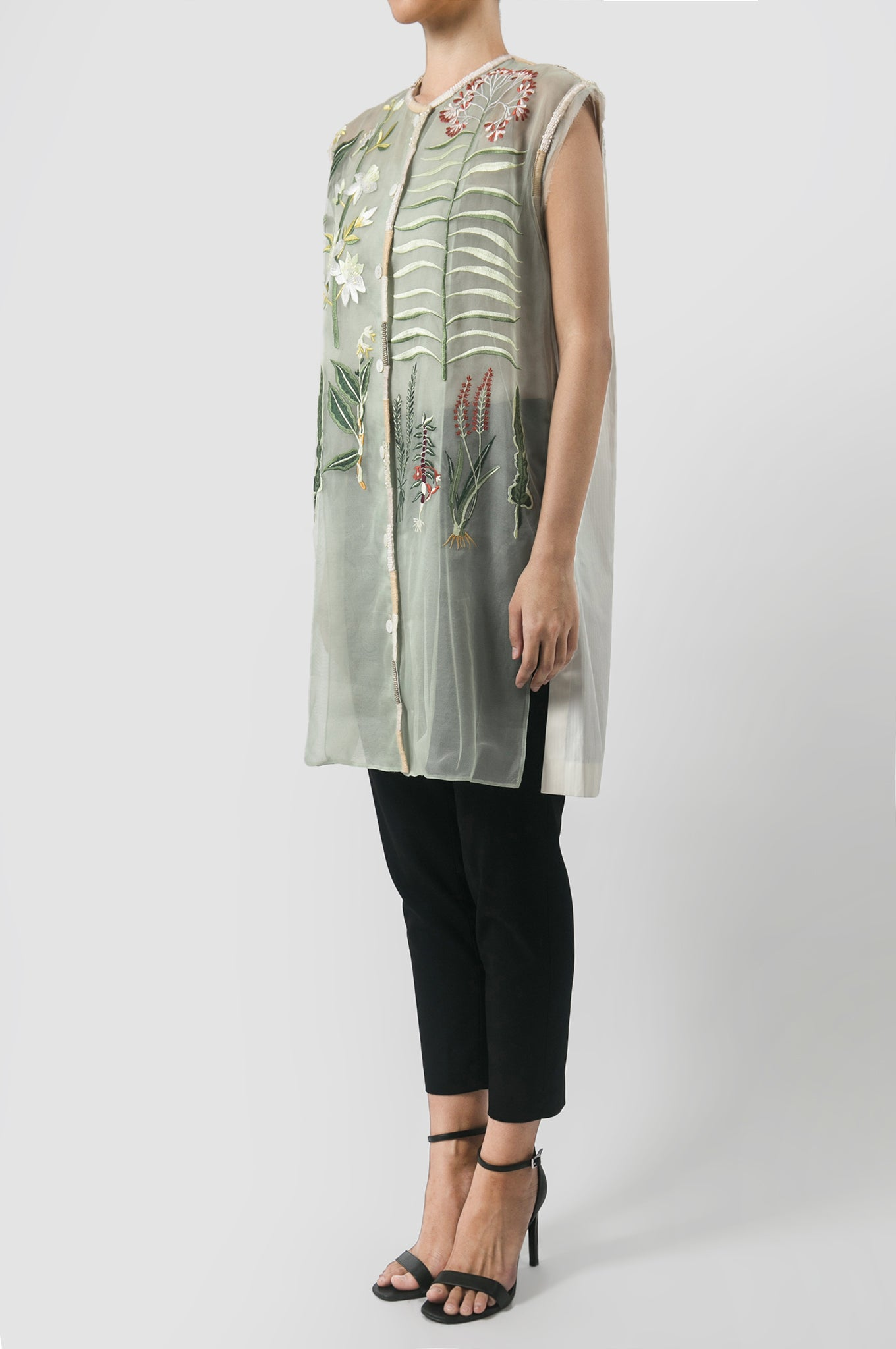 Sleeveless Bunga Tunic