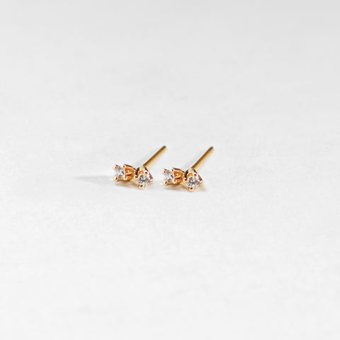 Nil Two-Diamond Stud Earring 0.05 Carat