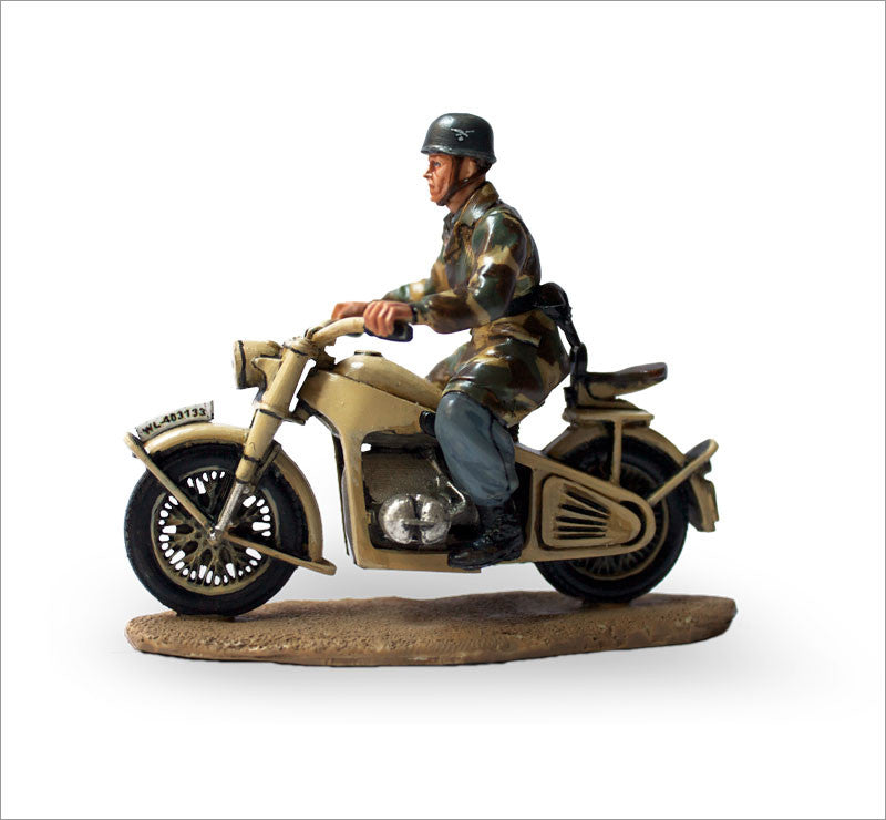 MTMM022 Dispatch Rider German Luftwaffe Paratrooper Zündapp KS 750