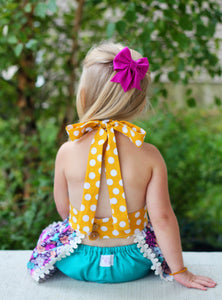 Awesome felt bow with tails perfect for the holiday season or anytime! Purchase from mattie2mase.com