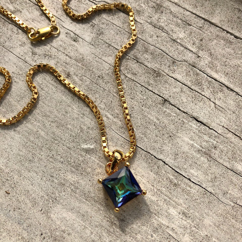 Square Cosmic Gem Chain